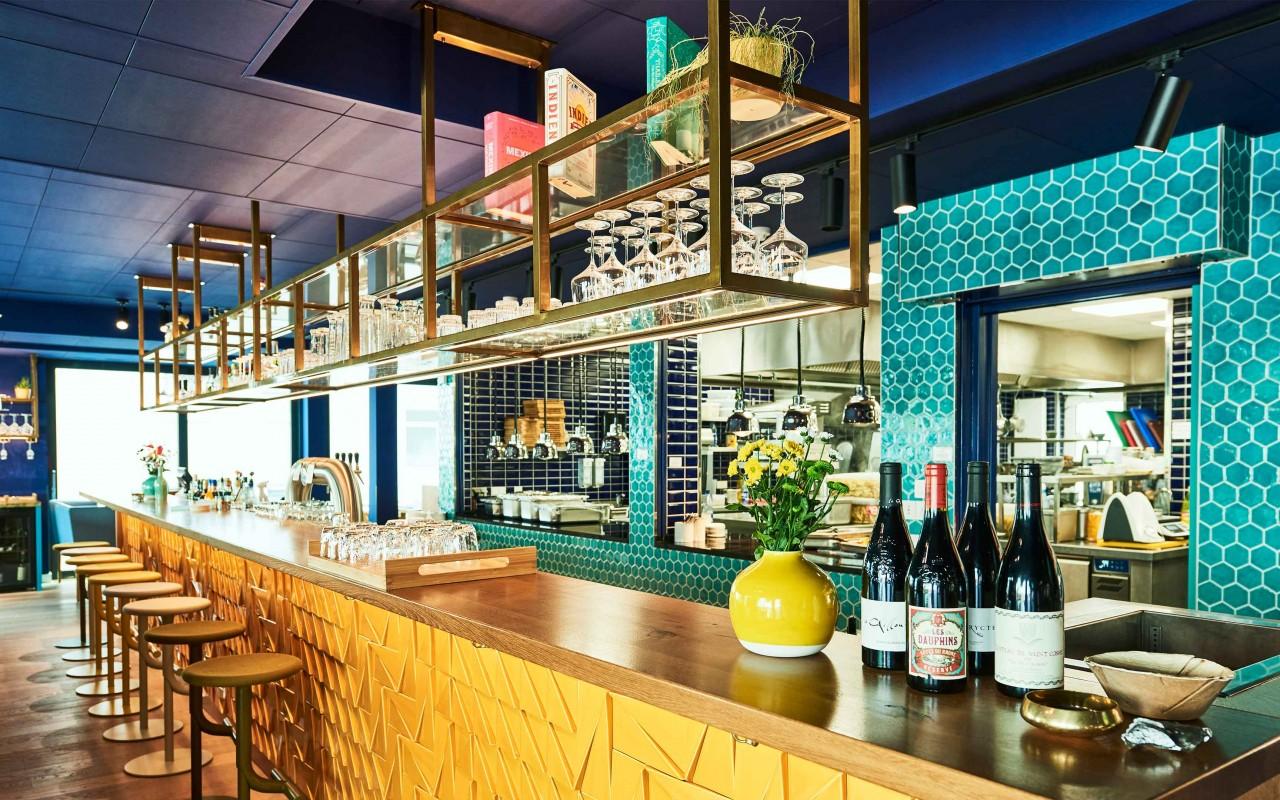 Mit dem Hotel New Wave und dem Restaurant Oktopussy haben wir in der Branche Fuß gefasst, die Brasserie Anouki folgte ein Jahr später. Wir freuen uns auf weitere Projekte.